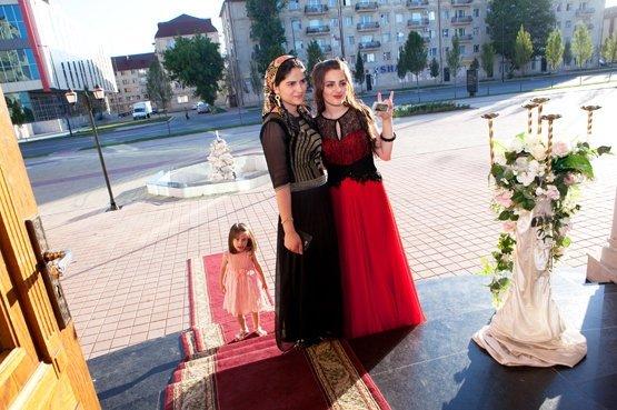 aaee2e272f23d0b Чеченские девушки в длинных платьях фото - Модадром