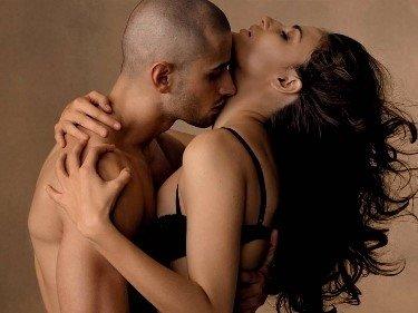 взрослых женщин поцелуй порно