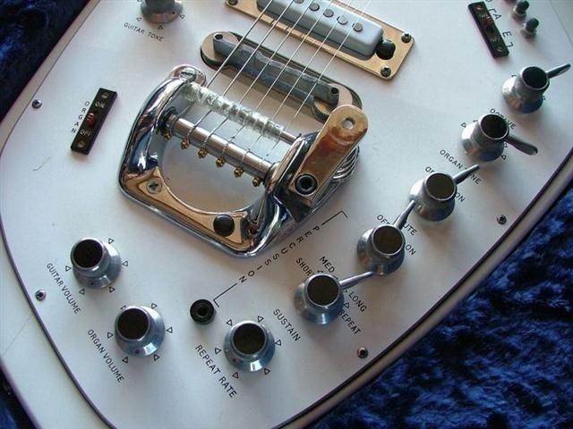 гитарный орган V251.