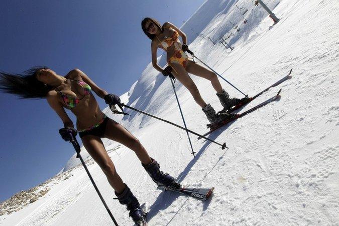 Секс на лыжах в горах