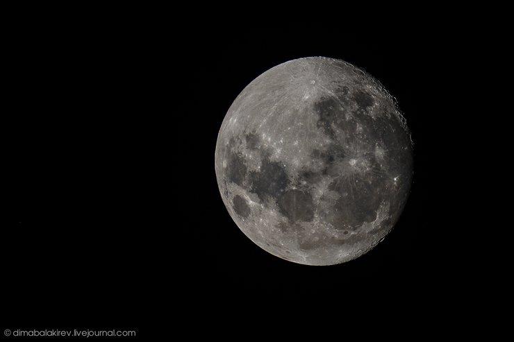 Цвет луны вечером
