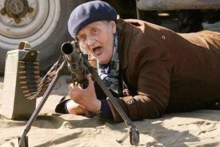 Картинки по запросу порошенко отдай пенсию старикам