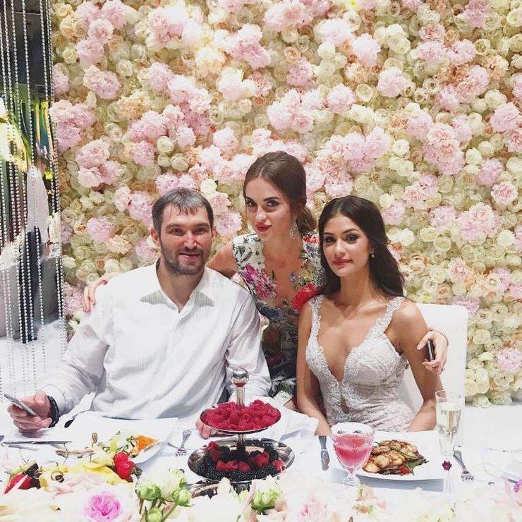 овечкин александр и анастасия шубская свадьба фото мужчин победителями