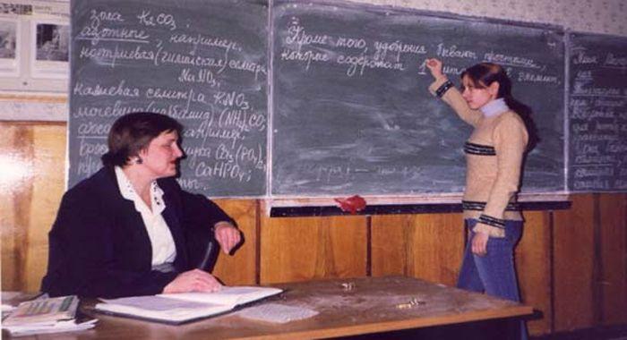 смотреть школьник трахает учительницу по математике