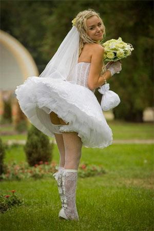 Моя жена в всадебном платьу без трусов фото 750-342