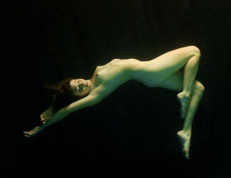 фото девушек под водой бдсм галереи глупый, смотри